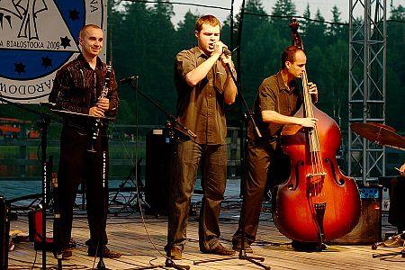 zdjĂŞcia <b>Sarakina</b>, Czarna Białostocka<br>V Międzynarodowy Festiwal<br><i>Kresowa Przyśpiewka Frywolna</i>