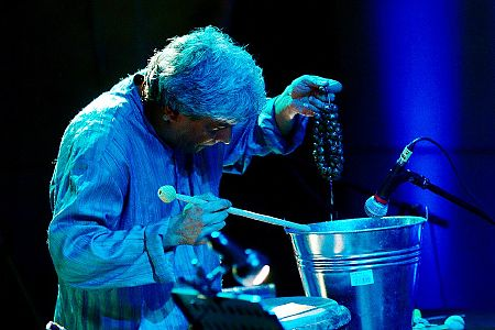 foto <b>Trilok Gurtu</b> oraz Arke String Quartet<br>VI Międzynarodowy Festiwal Perkusyjny <i>Źródła i Inspiracje</i><br>Kraków 2009