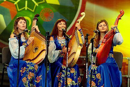 foto <b>Podlaska Oktawa Kultur</b><br>III Międzynarodowy Festiwal Muzyki, Sztuki i Folkloru<br><font color=red>kompletne</font>